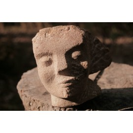 Originálna kamenná socha - tvár- busta